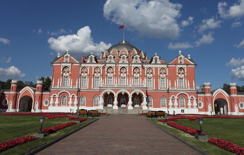 Воскресные бранчи в Петровском путевом дворце